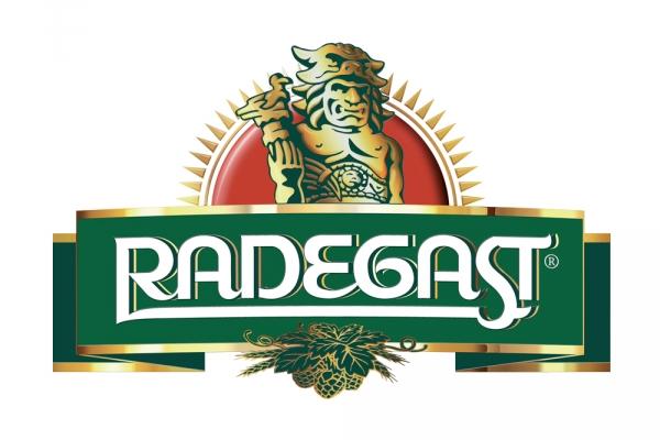 Historickým vlakem na správně hořké pivo Radegast