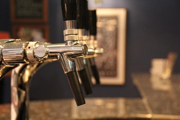 Zapomeňte na kávovar, co takhle domácí pivovar?